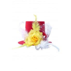 Mini hoedje rood/wit/geel met roos, veren en bolletjes gaas op speldjes
