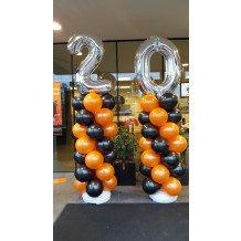 20 jarig bestaand gevierd met ballonnen