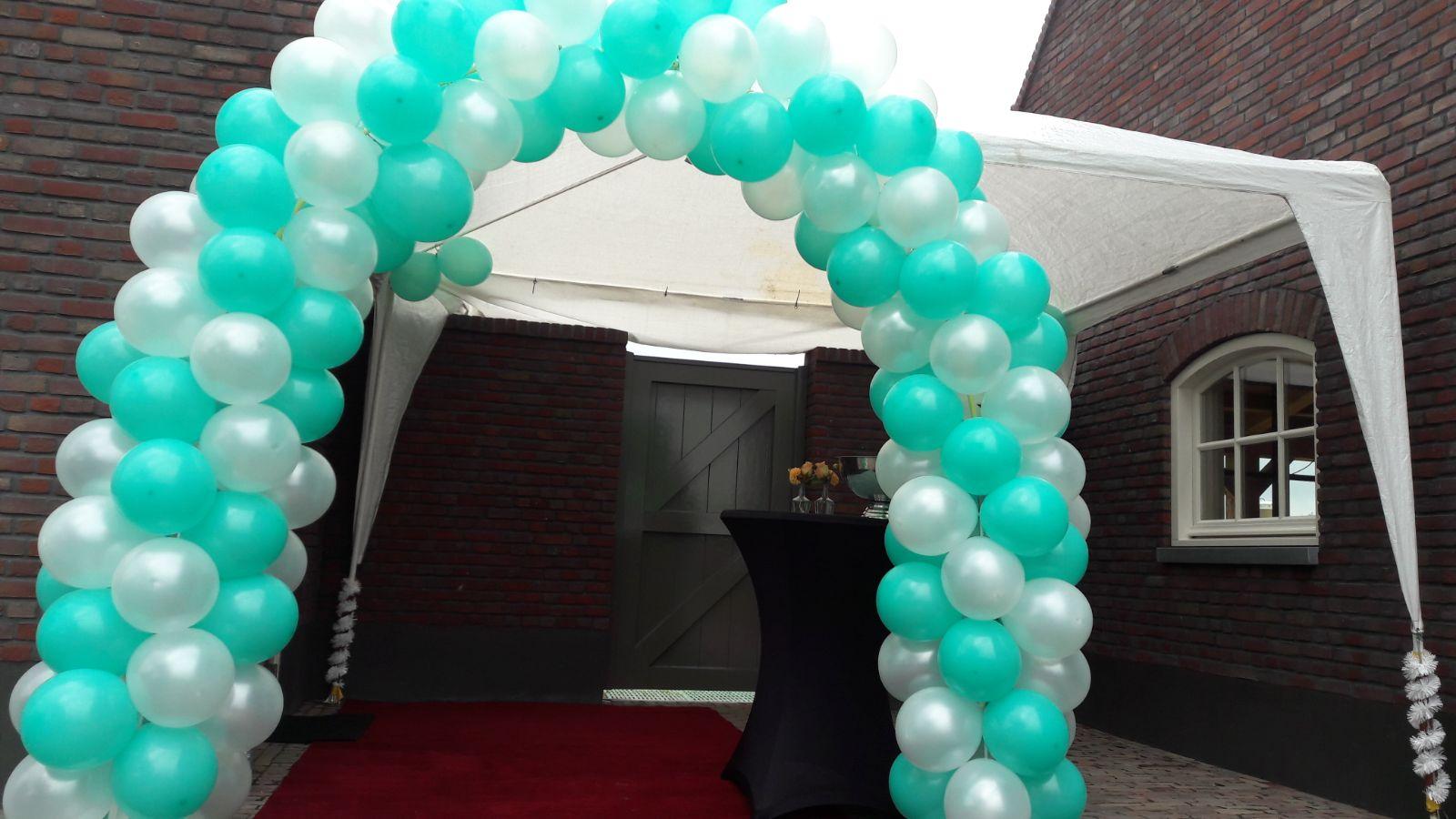 Ballonnenboog opening kapperszaak